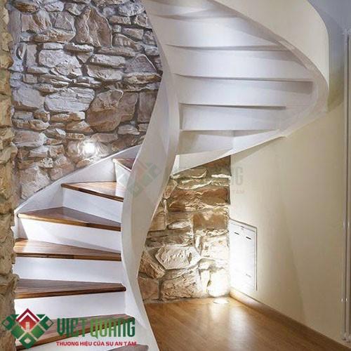 Một số mẫu cầu thang đẹp phù hợp nhất với nhà phố 1d2