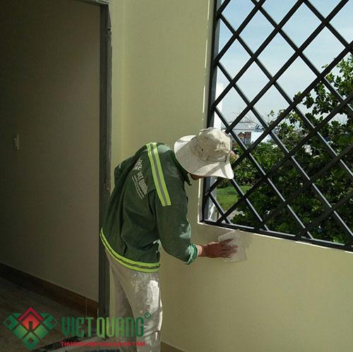 Công đoạn thi chỉnh sửa chỉnh chu, hoàn thiện nội ngoại thất ngôi nhà.