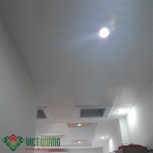 Hoàn thiện trần thạch cao, sơn hoàn thiện, hệ thống đèn led cho căn nhà