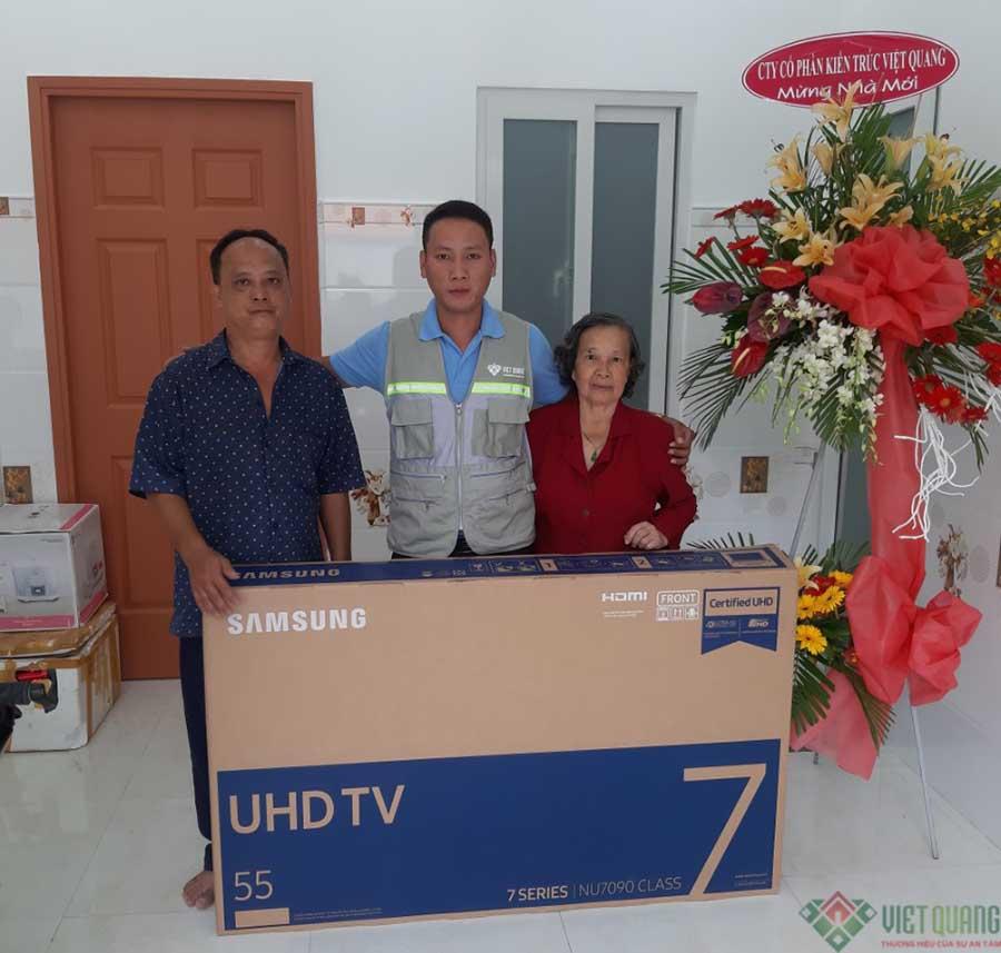 Tri ân khách hàng của Việt Quang
