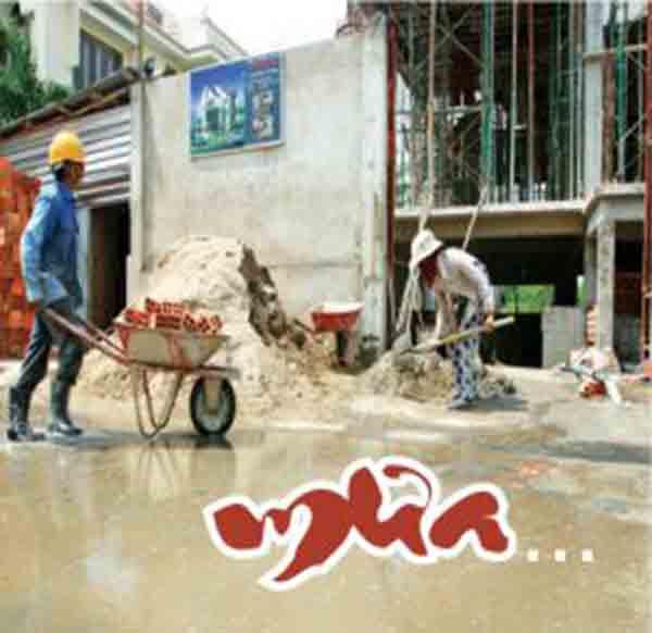 Những khó khăn vất vả và niềm vui khi xây nhà mùa mưa