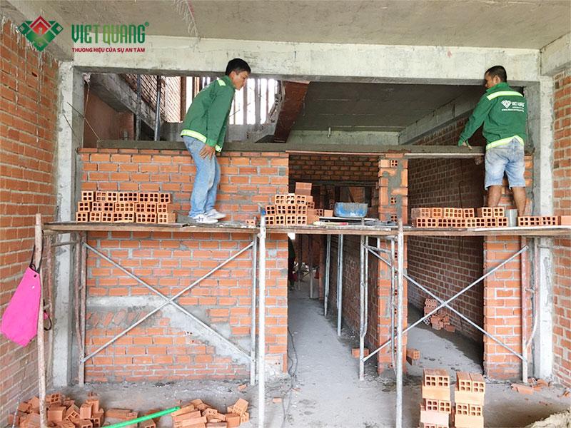 Những khó khăn, vất vả khi thi công xây nhà trong mùa mưa