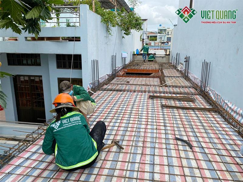 Khởi công xây dựng nhà phố 5 tầng chị Anh quận Tân Phú