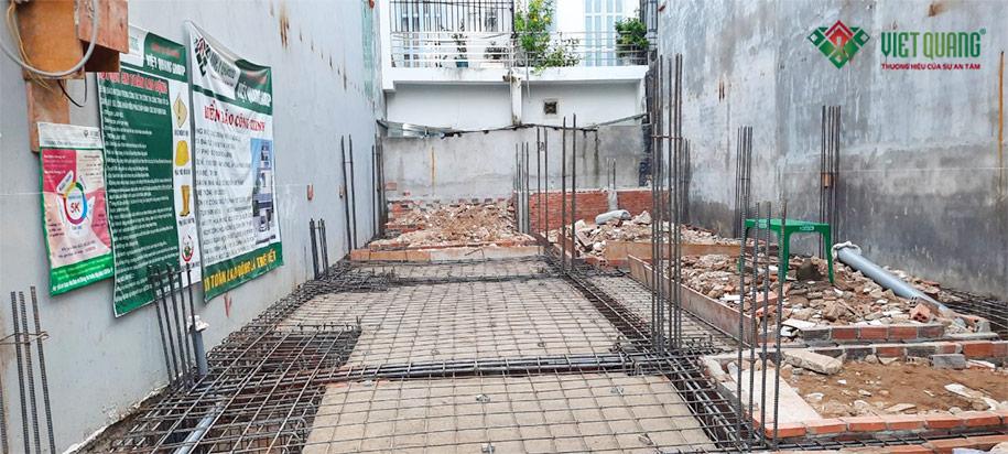 Thép sàn khu vực gara xe hơi - xây nhà phố 3 tầng 6,4 x 13,5m tại Nhà Bè