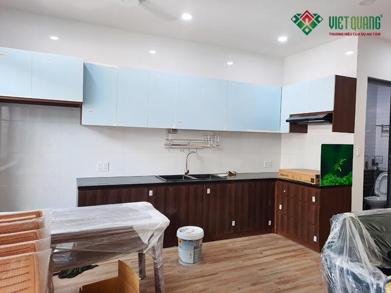 Hình ảnh hoàn thiện nội thất khu vực bếp và bàn ăn