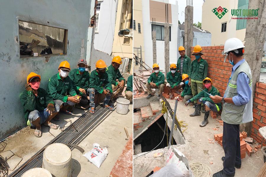 Đây là đội ngũ công nhân thi công xây dựng nhà anh Hà tại Bình Thạnh của Việt Quang