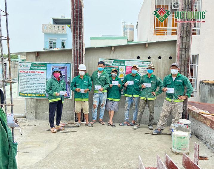 Việt Quang Group hỗ trợ công nhân trong mùa dịch covid-19 (Đợt 2)